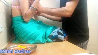 माधव ने अपने दोस्त की बीवी को किचन में चोद लिया जब वो घर पे नहीं था हिंदी ऑडियो
