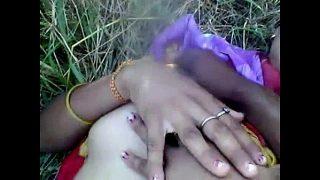 Desi girl enjoying with boyfriend in outdoor hot fuck
