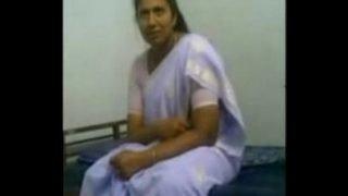 Indian Bhabhi suching her devor – Wowmoyback